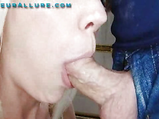 Kacey is a nice-looking 20 one year old golden-haired and this babe is returned for her second visit to Non-professional Allure. This time I am plan to give her the full facial experience. As this babe is bobbing my 10-Pounder that babe tells me this will be her First c