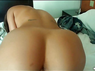 Cutie with great forms of body is fond of banging before cam