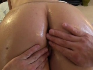 Hottie is getting her tight beaver screwed doggystyle